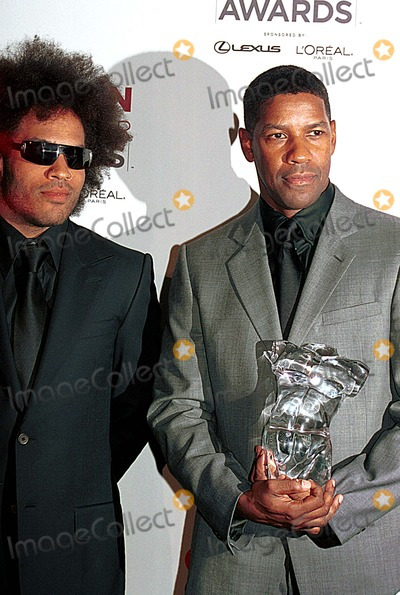Lenny Kravitz Photo - 7th Annual Gq Men of the Year Awards Press Room at Manhattan Center NYC 101602 Photo by Sonia MoskowitzGlobe Photos Inc Lenny Kravitz Denzel Washington