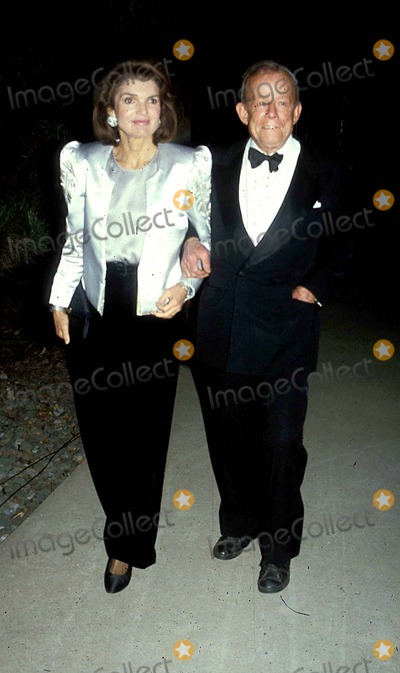 Jacqueline Kennedy Onassis Photo - Jacqueline Kennedy Onassis and Bill Walton Photo Byjohn BarrettGlobe Photos Inc 1985 Jacquelinekennedyonassisretro