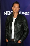 Sasha Roiz Photo 5