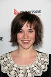 Renee-Felice Smith Photo 5
