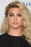 Photo - LOS ANGELES - DEC 7  Tori Kelly at the  at the  at Hollywood Palladium on December 7 2016 in Los Angeles CA