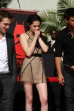 Kristen Stewart Photo - Handprint and Footprint Ceremony for the Twilight Saga Actors Pattinson Stewart and Lautner