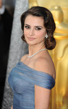Penelope Cruz,Penelope  Cruz Photos - Penelope Cruz arriving for the 84th Academy Awards at the Kodak Theatre Los Angeles