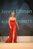 Jenna Elfman Photo 5