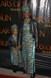 Akosua Busia Photo - Actress AKOSUA BUSIA  daughter HADAR at the Los Angeles premiere of his new movie Tears of the Sun03MAR2003   Paul Smith  Featureflash