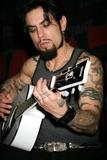 Dave Navarro Photo 5