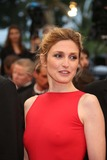 Julie Gayet Photo 5