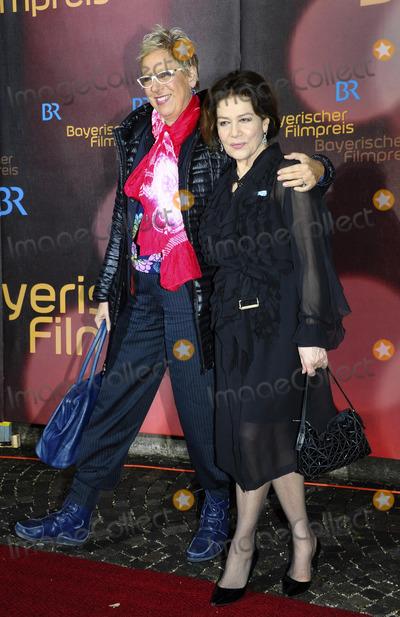 Hannelore Elsner Photo - Doris Doerrie Hannelore Elsner 35Verleihung Bayerischer Filmpreis im Prinzregententheater am 18012014 in MuenchenCredit Franco Gulottaface to face