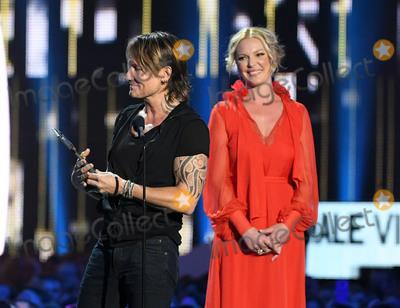 Katherine Heigl Photo - 07 June 2017 - Nashville Tennessee -  Katherine Heigl Keith Urban 2017 CMT Music Awards held at Music City Center Photo Credit Laura FarrAdMedia