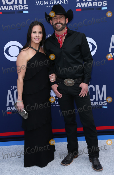 Aaron Watson Photo - 07 April 2019 - Las Vegas NV - Kim Watson Aaron Watson 54th Annual ACM Awards Arrivals at MGM Grand Garden Arena Photo Credit MJTAdMedia