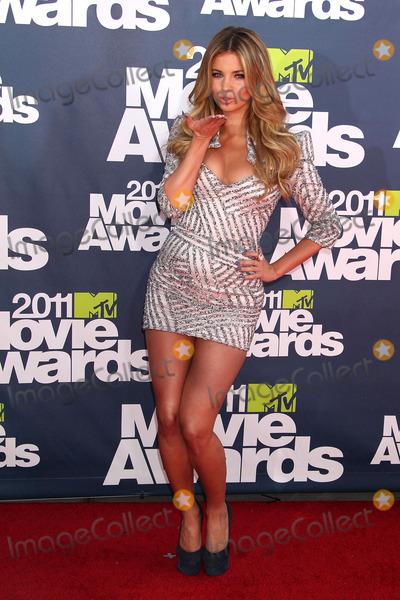Amber Lancaster Photo - 5 June 2011 - Universal City California - Amber Lancaster 2011 MTV Movie Awards - Arrivals held at Gibson Amphitheatre Photo Credit Russ ElliotAdMedia