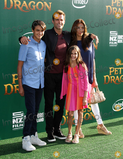 Cameron Mathison Pictures And Photos Watch hallmark channel live stream 24/7 from your desktop, tablet and smart phone. imagecollect