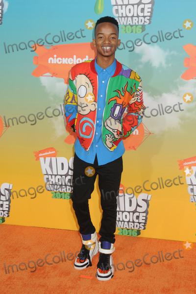 Coy Stewart Photo - 12 March 2016 - Inglewood California - Coy Stewart 2016 Nickelodeon Kids Choice Awards held at The Forum Photo Credit Byron PurvisAdMedia
