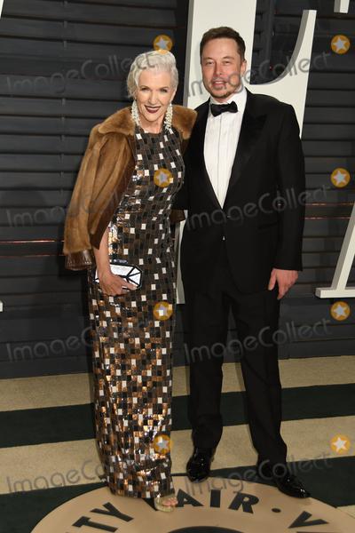 ELON MUSK Photo - 26 February 2017 - Beverly Hills California - Elon Musk 2017 Vanity Fair Oscar Party held at the Wallis Annenberg Center Photo Credit Byron PurvisAdMedia