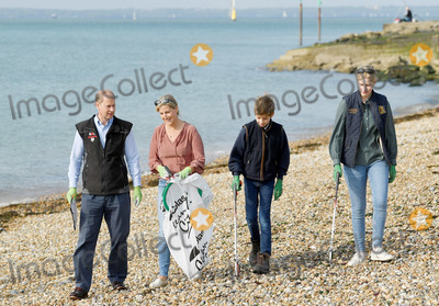 Prince Edward Photo - 20th September 2020 - Prince Edward Earl of Wessex and Sophie Countess of Wessex with their children Lady Louise Windsor and Viscount Severn James Alexander Philip Theo Mountbatten Windsor join volunteers from the Marine Conservation Society and Southsea Beachwatch during the Great British Beach Clean in Southsea Hampshire Photo Credit ALPRAdMedia