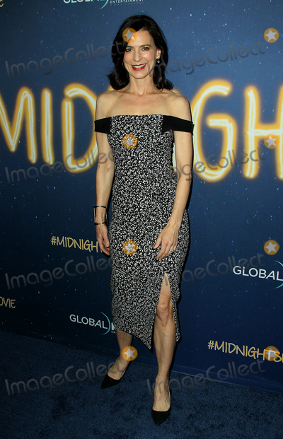 Perrey Reeves Photo - 15 March 2018 - Los Angeles California - Perrey Reeves Midnight Sun Premiere held at the ArcLight Hollywood Theatre Photo Credit AdMedia