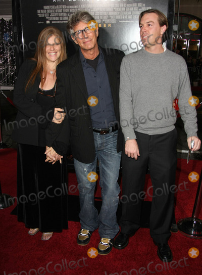 Eric Roberts Photo - 06 December 2010 - Hollywood California - Eric Roberts his wife Eliza GarrettThe Fighter Los Angeles Premiere held at Graumans Chinese Theater Photo Tommaso BoddiAdMedia