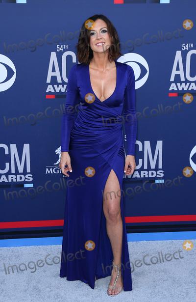 Amanda Shires Photo - 07 April 2019 - Las Vegas NV - Amanda Shires 54th Annual ACM Awards Arrivals at MGM Grand Garden Arena Photo Credit MJTAdMedia