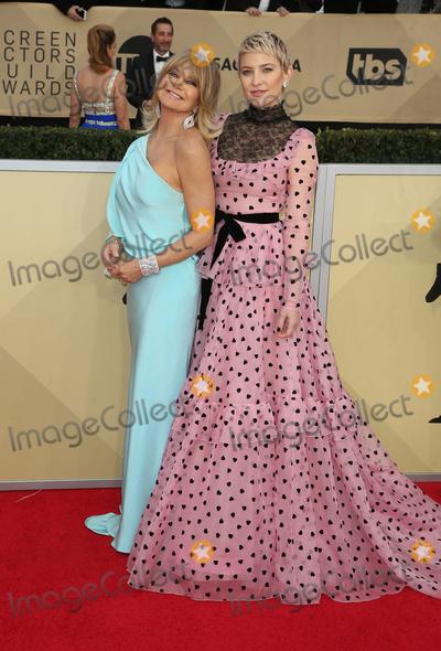 Kate Hudson Photo - 21 January 2018 - Los Angeles California - Goldie Hawn Kate Hudson 24th Annual Screen Actors Guild Awards held at The Shrine Auditorium Photo Credit RetnaAdMedia