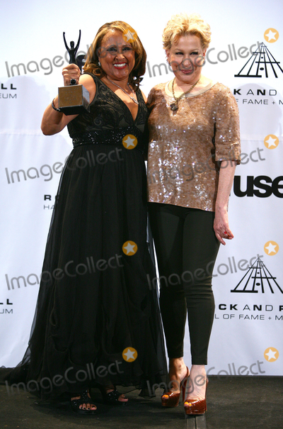 Darlene Love Photo - 14 March 2011 - New York NY - Darlene Love and Bette Midler  The press room at the 26th annual Rock and Roll Hall of Fame Induction Ceremony at The Waldorf-Astoria on March 14 2011 in New York City Photo Paul ZimmermanAdMedia