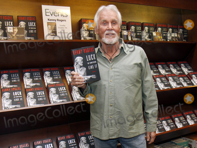 Photos From Kenny Rogers 1938 - 2020