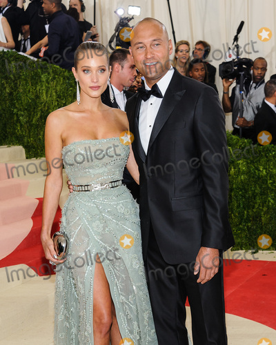Derek Jeter Photo - 02 May 2016 - New York New York- Hannah Davis Derek Jeter  Metropolitan Museum of Art Costume Institute Gala Manus x Machina Fashion in the Age of Technology Photo Credit Christopher SmithAdMedia