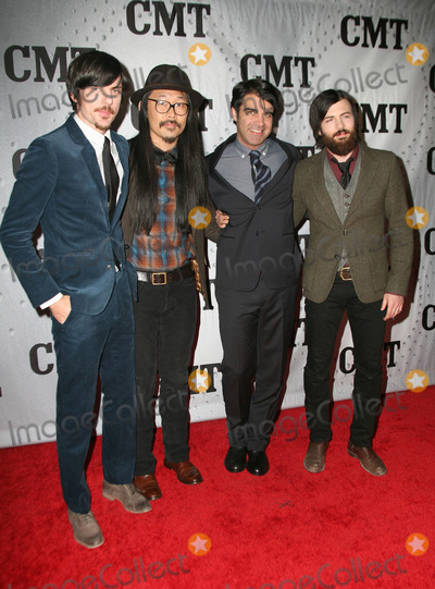 Avett Brothers Photo - 29 November 2011 - Nashville Tennessee - The Avett Brothers CMT Artist of The Year Award 2011 Photo Credit Bev MoserAdMedia