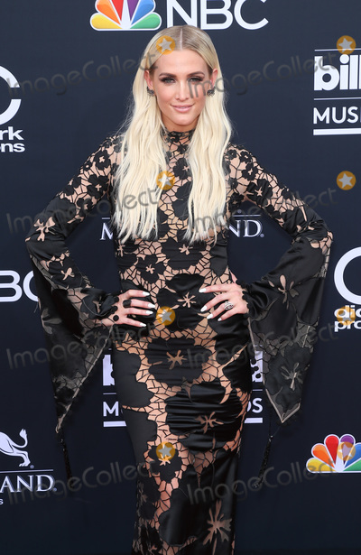 Ashley Simpson Photo - 20 May 2018 - Las Vegas NV -  Ashley Simpson  2018 Billboard Music Awards Red Carpet arrivals at MGM Grand Garden Arena Photo Credit MJTAdMedia