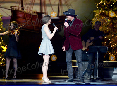 Trace Adkins Photo - 08 November 2013 - Nashville Tennessee - Alyth McCormack Trace Adkins 2013 CMA Country Christmas Taping held at Bridgestone Arena Photo Credit Laura FarrAdMedia
