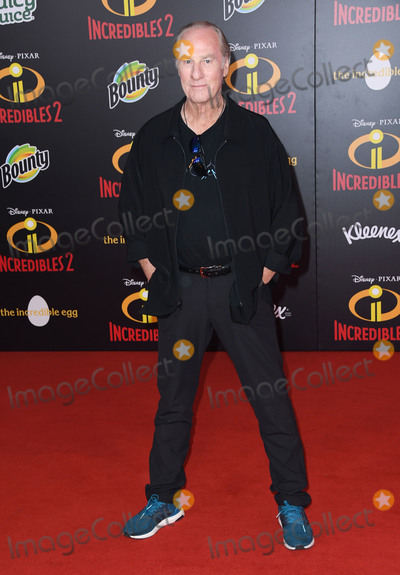 Craig T Nelson Photo - 05 June 2018 - Hollywood California - Craig T Nelson Disney Pixars Incredibles 2 Los Angeles Premiere held at El Capitan Theatre Photo Credit Birdie ThompsonAdMedia