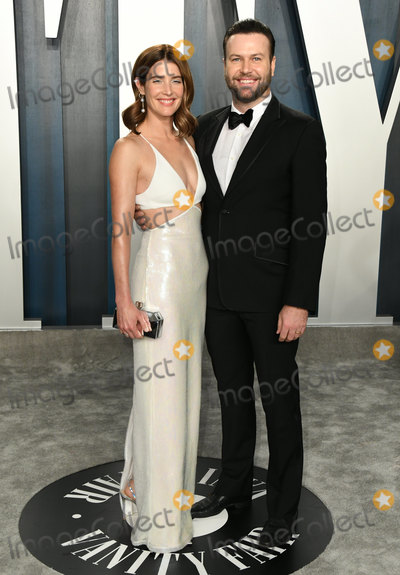Coby Smulders Photo - 09 February 2020 - Los Angeles California - Cobie Smulders Taram Killam 2020 Vanity Fair Oscar Party following the 92nd Academy Awards held at the Wallis Annenberg Center for the Performing Arts Photo Credit Birdie ThompsonAdMedia