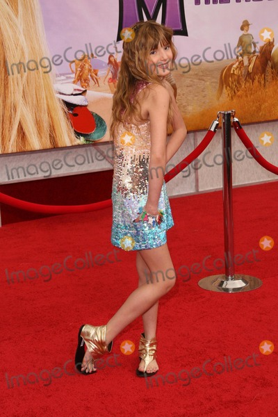 Bella Thorne Photo - Bella Thorneat the Los Angeles Premiere of Hannah Montana The Movie El Capitan Theatre Hollywood CA 04-02-09