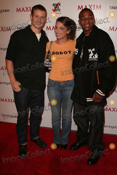 Arlen Escarpeta Photo - Will Estes Vanessa Lengies and Arlen Escarpeta at the Maxim Magazine Bowls For Dollars Party Lucky Strike Hollywood CA 09-28-04
