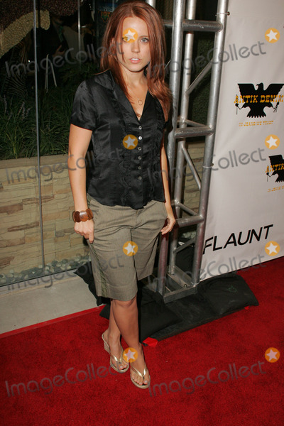 Allison Munn Photo - Allison MunnAt the opening of Antik Denims signature store hosted by Flaunt Magazine Antik Denim Hollywood CA 08-18-05