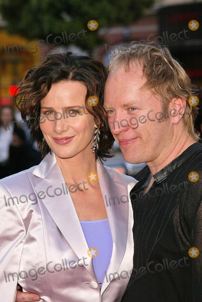 Andrew Taylor Photo - Rachel Griffiths and husband Andrew Taylor at the 4th Season Premiere of HBOs series Six Feet Under at Graumans Chinese Theater Hollywood CA 06-02-04