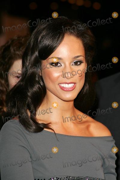 Alicia Keys Photo - Alicia Keysat the world premiere of Glory Road Pantages Theatre Hollywood CA 01-05-06