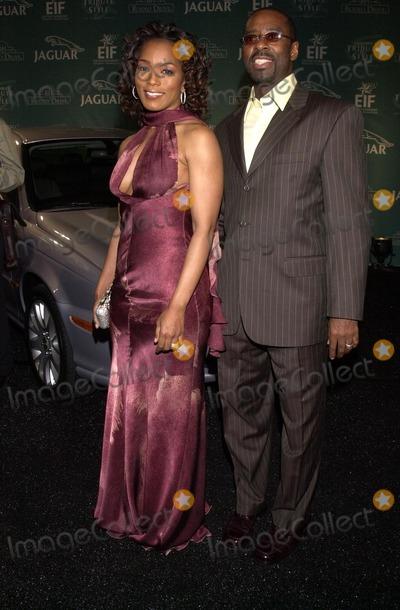 Angela Bassett Photo - Angela Bassett and husband Courtney B Vance at the Jaguar Tribute To Style 2002 Rodeo Drive Beverly Hills CA 09-23-02