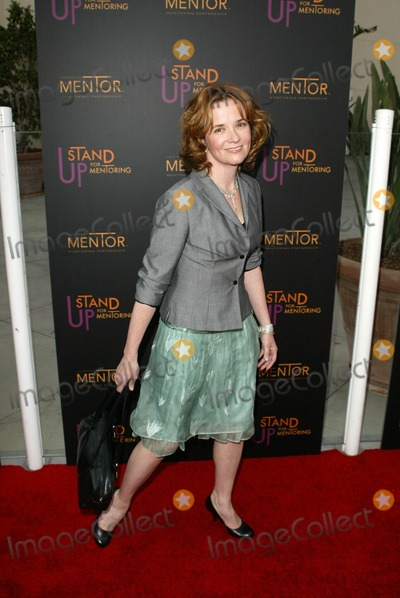 Lea Thompson Photo - Lea Thompsonat the First Annual Stand Up For Mentoring Kodak Theatre Hollywood CA 04-27-05