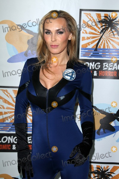 Tanya Tate Photo - Tanya Tateat Long Beach Comic and Horror Con Long Beach Convention Center Long Beach CA 10-30-11