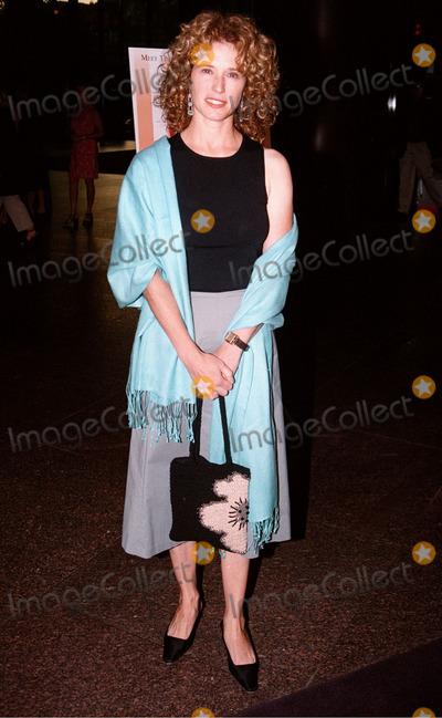 Nancy Travis Photo -  Nancy Travis at the premiere of the TNT movie Running Mates 08-01-00