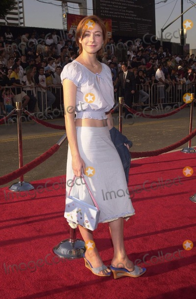 Alyson Hannigan Photo -  Alyson Hannigan at the premiere of Paramount Pictures MISSION IMPOSSIBLE 2 in Hollywood 05-18-00
