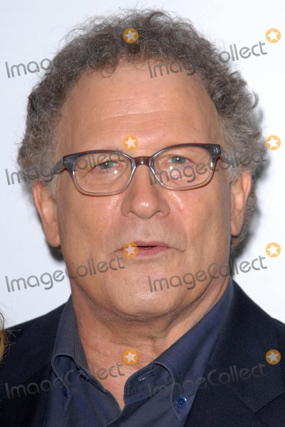 Albert Brooks Photo - Albert Brooksat the This Is 40 Los Angeles Premiere Chinese Theater Hollywood CA 12-12-12