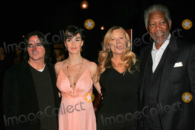 Paz Vega Photo - Brad Silberling and Paz Vega with Lori McCreary and Morgan Freemanat the premiere of 10 Items Or Less Paramount Theater Los Angeles CA 11-27-06
