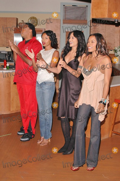 Reggie Hayes Photo - Reggie Hayes Jill Marie Jones Persia White and Golden Brooks at the celebration in honor of 100 Episodes of Girlfriends at Stage 23 Paramount Pictures Hollywood CA 10-06-04