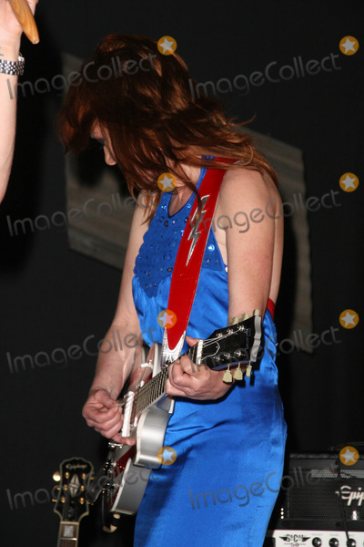 Jenny McShane Photo - Jenny McShane at the America Welcomes Harry The Dog and the Traveling Soul Circus concert featuring Gibson USA custom guitars Unknown Theater Hollywood CA 04-17-2009