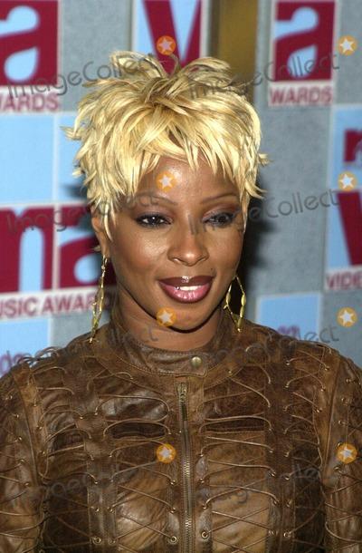 Mary J Blige Photo - Mary J Blige at the 2002 MTV Video Music Awards Radio City Music Hall New York City NY 08-29-02