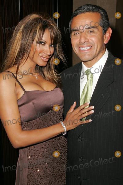 Antonio Villaraigosa Photo - Traci Bingham and Antonio Villaraigosaat the 2005 Nosotros Golden Eagle Awards Show and Banquet Beverly Hilton Hotel Beverly Hills CA 10-14-05