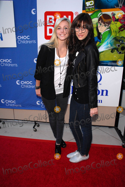 Amanda Burhoe Photo - Savannah Burhoe and Amanda Burhoe aka Savvy  Mandyat Kids Helping Children benefitting the CHOC Childrens  Hospital Anaheim Hilton Anaheim CA 11-14-10