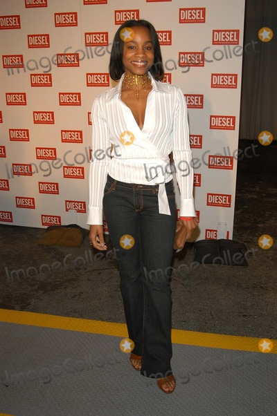 Anika Noni Rose Photo - Anika Noni Rose at the Dielsel Fashion Show LA Miauhaus Studios Los Angeles CA 04-03-03