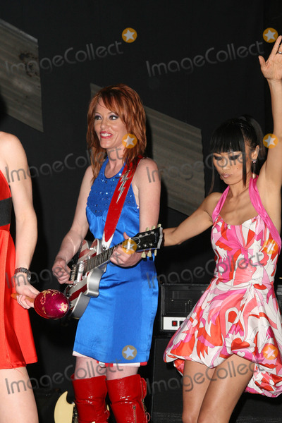 Jenny McShane Photo - Jenny McShane and Bai Ling at the America Welcomes Harry The Dog and the Traveling Soul Circus concert featuring Gibson USA custom guitars Unknown Theater Hollywood CA 04-17-2009